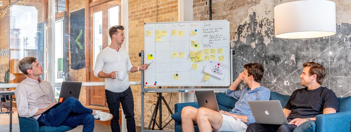 header gestion startup